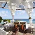 Hochzeitspavillion auf der Terrasse des 4-Sterne Avila Beach Hotels auf Curacao.