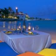 Romantisches Abendessen im 4-Sterne Avila Beach Hotel auf Curacao.