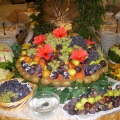 Buffet mit Obst im 4-Sterne Hotel Baia di Nora in Pula auf Sardinien.