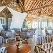 Eine der zwei Bars im 4-Sterne Canonnier Beachcomber Golf Resort & Spa auf Mauritius.