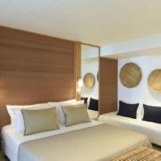 Innenansicht im Deluxe Zimmer im 4-Sterne Canonnier Beachcomber Golf Resort & Spa auf Mauritius.