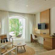 Innenansicht im 4-Sterne Hotel Cannonier Beachcomber auf Mauritius im Standardzimmer im Garten.