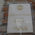 Eingangsschild des 4-Sterne Centurion Palace Hotels in Venedig.