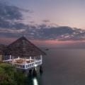 Restaurant Ocean Breeze am Abend im 4-Sterne Hotel Chuini Zanzibar Beach Lodge.
