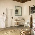 Badezimmer im Superior Room im 4-Sterne Hotel Chuini Zanzibar Beach Lodge.