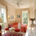 Blick in ein Zimmer im 4-Sterne Hotel Belvedere am Comersee.