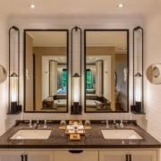 Badezimmer in einer Junior Suite im 5-Sterne Constance Lémuria Resort auf der Insel Praslin.