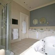 Badezimmer im 4-Sterne Cringletie House Hotel in Peebles Schottland. Heiraten in Schottland.