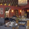 Restaurant Il Gusto im 6-Sterne Hotel Dinarobin Beachcomber Golf Resort und Spa auf Mauritius am Abend.