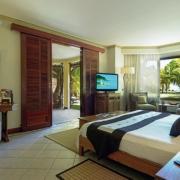 Innenansicht der Juniorsuite im 6-Sterne Hotel Dinarobin Beachcomber Golf Resort & Spa auf Mauritius.
