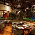 Restaurant am Abend im 6-Sterne Hotel Dinarobin Beachcomber Golf Resort und Spa auf Mauritius.
