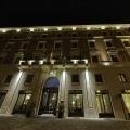 Beleuchtete Fassade am Abend des 5-Sterne Hotels Due Torri in Verona. Romantische Heirat in Italien.Aussenansicht
