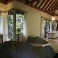 Spa im 5-Sterne Hilton Seychelles Labriz Resort & Spa auf der Privatinsel Silhouette Island.
