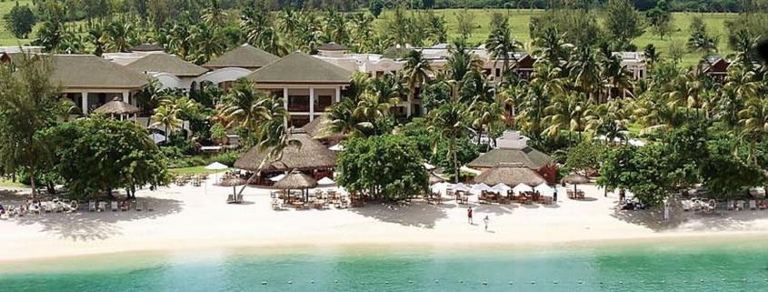 Luftaufnahme vom Strand im 5-Sterne Hotel Hilton Mauritius Resort und Spa.