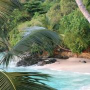 Einsame Bucht des 5-Sterne Hilton - Northolme Resort & Spa auf den Seychellen.