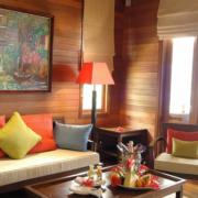Sitzecke in einer Villa im 5-Sterne Hilton - Northolme Resort & Spa auf den Seychellen.