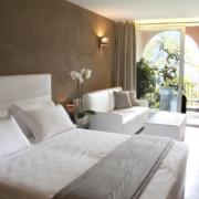 Superiorzimmer fuer Hochzeiten in Italien im 4-Sterne Hotel San Roco am Ortasee.