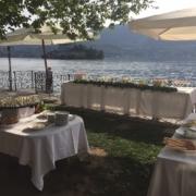 Hochzeitsbuffet am Ufer im 4-Sterne Hotel San Roco am Ortasee.