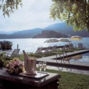 Pool im 4-Sterne Hotel San Roco am Ortasee.