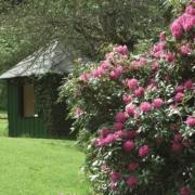 Gartenlaube im Garten des 4-Sterne Bunchrew House Hotel in Inverness in Schottland.