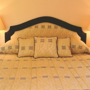 Doppelbett im 4-Sterne Bunchrew House Hotel in Inverness in Schottland.
