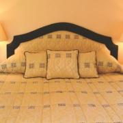 Doppelbett im 4-Sterne Bunchrew House Hotel in Inverness in Schottland.