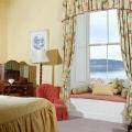 Aussicht aus dem Zimmer auf den See im 4-Sterne Bunchrew House Hotel in Inverness in Schottland.