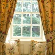 Aussicht aus dem Zimmer in den Garten im 4-Sterne Bunchrew House Hotel in Inverness in Schottland.