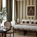 Elegantes Zimmer im 4-Sterne Hotel Londra Palace in Venedig.