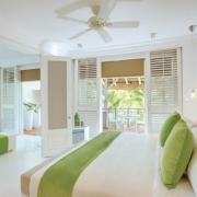 Innenaufnahme der Honeymooner Suite im 5-Sterne Hotel Lux*-Belle Mare auf Mauritius.