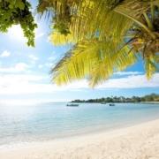 Strand vom 3-Sterne Hotel Merville Beach in Mauritius.