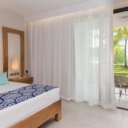 Ansicht des Ocean Beachfront Zimmer im 5-Sterne Hotel Paradis Beachcomber Golf Resort und Spa.
