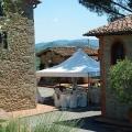 Hochzeitspavillion im Hof des Landhauses Villa I Sette Borghi in der Toskana.