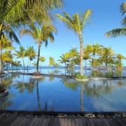 5-Sterne Hotel Trou aux Biches Mauritius Beachcomber, der Infinity-Pool mit Blick auf das Meer.