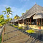 5-Sterne Hotel Trou aux Biches Mauritius Beachcomber, Restaurant und Bar von aussen am Strand.