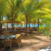 Restauranterrasse im 5-Sterne Hotel Trou aux Biches Mauritius Beachcomber.