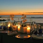 Blick von der Terrasse des Azure Restaurants in der Abenddaemmerung im 4-Sterne Hotel Twelve Apostel in Suedafrika.
