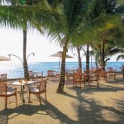 Restaurant am Strand im 4-Sterne Victoria Beachcomber Resort und Spa.