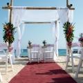 Hochzeitspavillin am Strand im 4-Sterne Avila Beach Hotel auf Curacao.