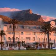 Aussenansicht des Aussenfassade des 4-Sterne Hotels Winchester Mansions, in Kapstadt beiSonnenuntergang.
