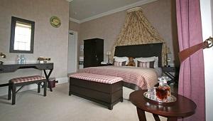 Innenansicht Zimmer im 4-Sterne Cringletie House Hotel in Peebles Schottland.