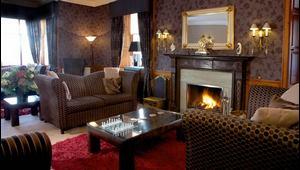 Kaminzimmer im 4-Sterne Hotel Duisdale House auf der Isle of Skye in Schottland.