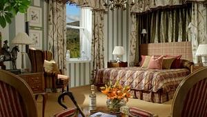 Zimmer im 5-Sterne Hotel Inverlochy Castle in Fort William. Stilvoll und gemuetlich ausgestattet.