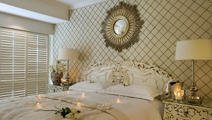 Doppelbett im Luxury Room im 4-Sterne Hotel Twelve Apostel in Suedafrika.