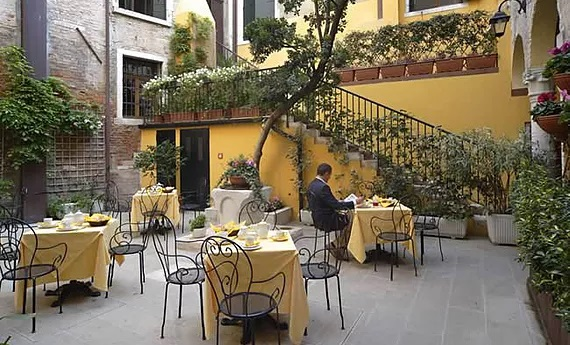 Der Innenhof 3-Sterne Plus Hotels Locanda del Corte in Venedig.