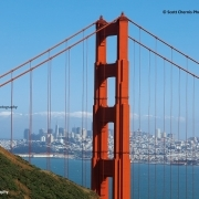 San Francisco durch die Spannseile der Golden Gate Bridge betrachtet. ©Scott Chernisk Photography.