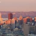Die Skyline von San Francisco im Sonnenuntergang.