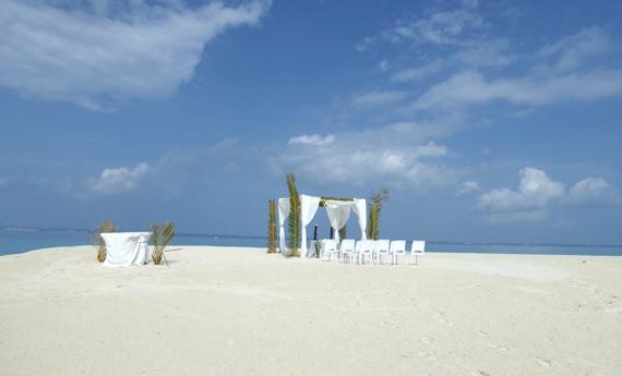 Hochzeit auf der Sandbank in Sansibarnsibar